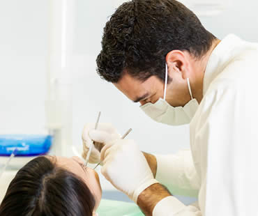Removing Impacted Wisdom Teeth Through Oral Surgery